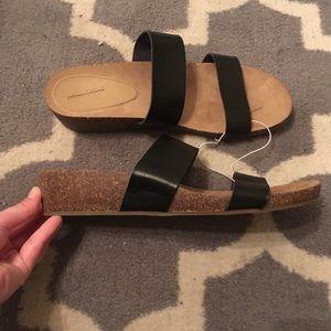 NWOT Universal Thread wedge sandals